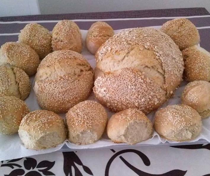 Pan con semillas y masa madre por Flori Petrica